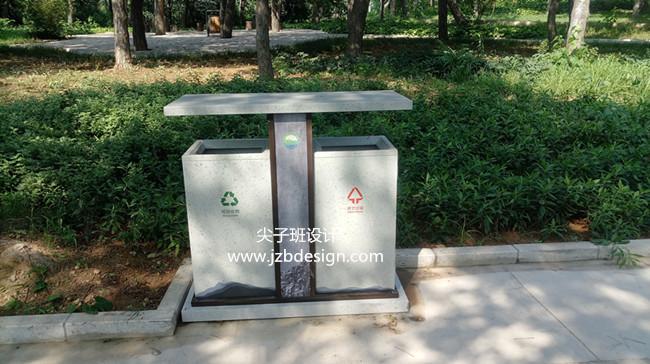 联峰山景区垃圾桶